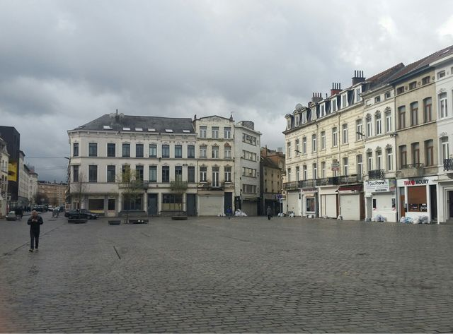 Une place à Molenbeek, commune défavorisée de Bruxelles.