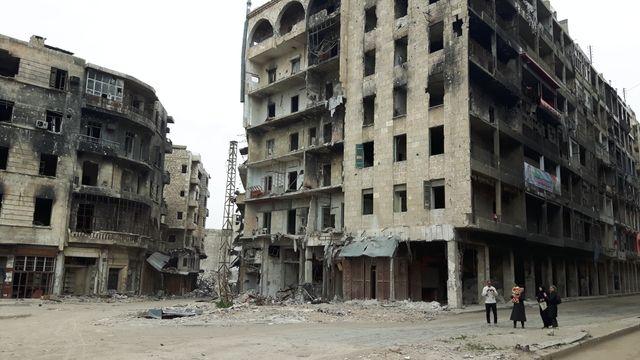 A Alep, la population vit dans un décor d'apocalypse