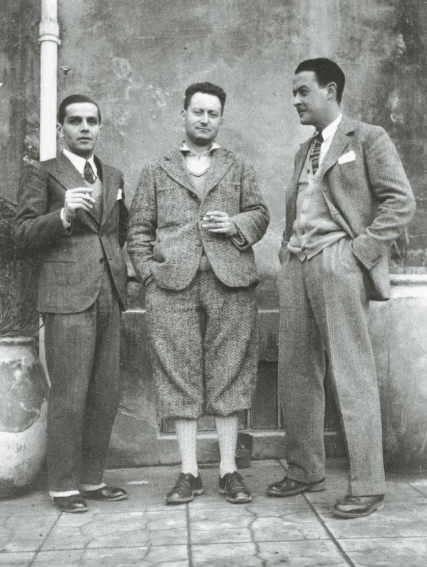 Jean Giono, entre le compositeur Maurice Jaubert et le metteur en scène Alberto Cavalcanti : © Collection Viollet.