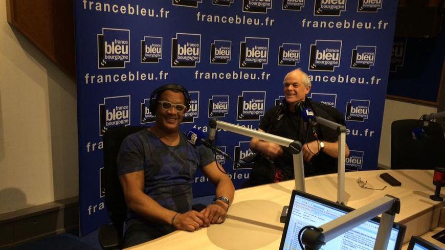Thierry Desroses et Bernard Lanneau, les comédiens qui prêtent leurs voix à Samuel L Jackson et Kevin Cosner