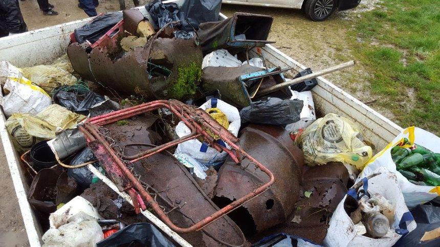 L'une des bennes, remplie de déchets à la fin de l'opération, l'an dernier.