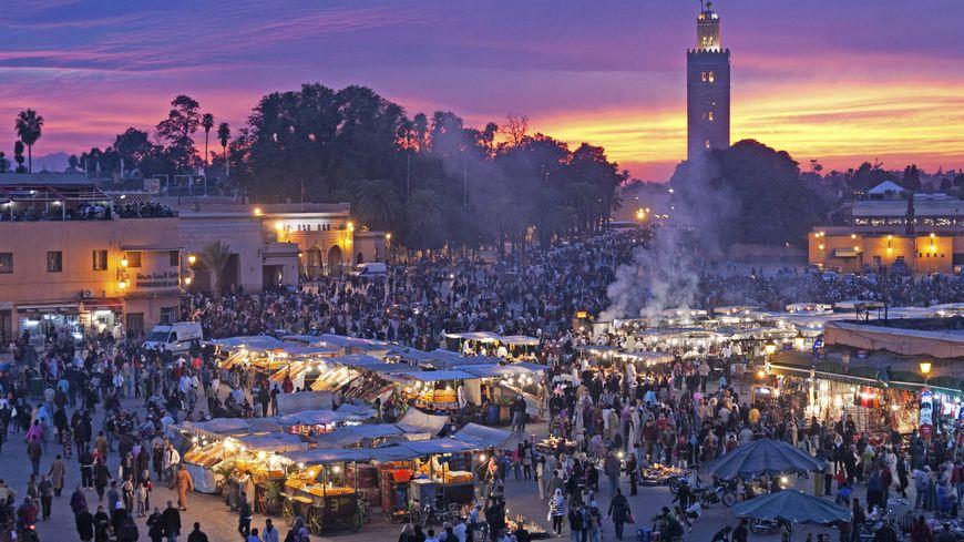 la célèbre place Jemaa El Fna de Marrakech sera désormais accessible depuis l'aéroport de Perpignan