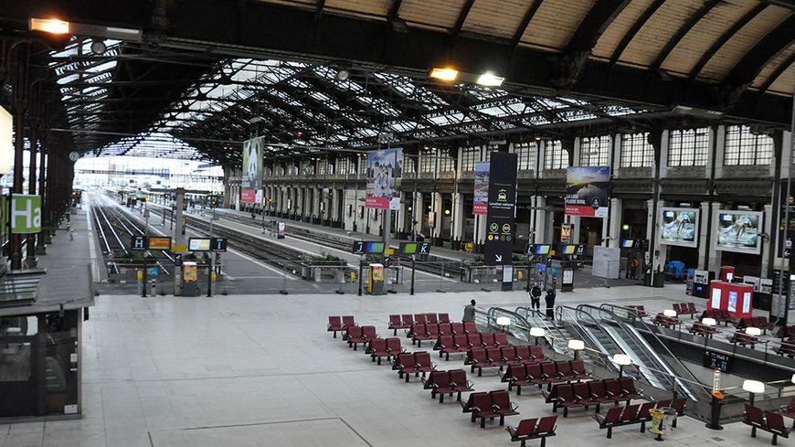 aucun train ne circulera dans les gares parisiennes de lyon et de bercy pendant tout ce week end. Black Bedroom Furniture Sets. Home Design Ideas