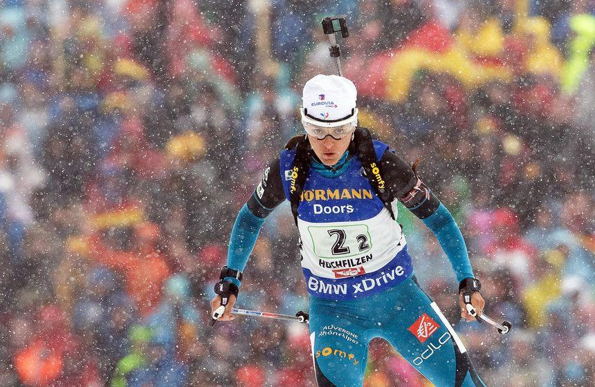 Au bout, il y a la médaille de Bronze des championnats du monde 2017 de biathlon en Autriche pour la Franc-Comtoise Célia Aymonier avec le relais féminin français