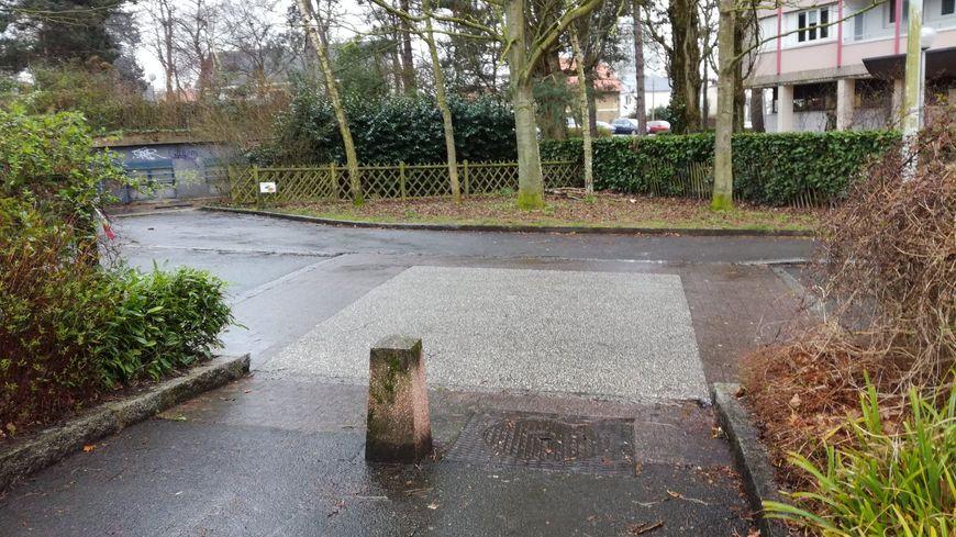 Le passage piéton où a été renversé l'enfant de 4 ans devant l'école Trégain