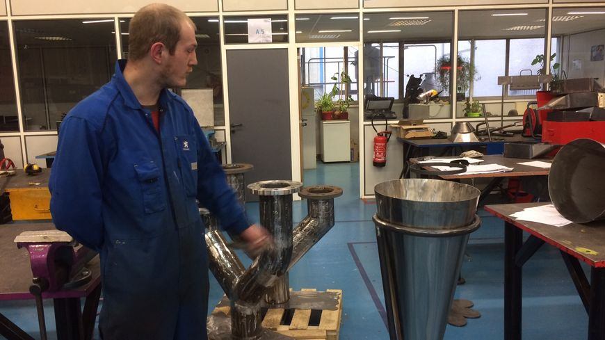 Jonathan, 25 ans, apprenti à l'atelier de chaudronnerie du CFAI de la Savoie, La Motte-Servolex