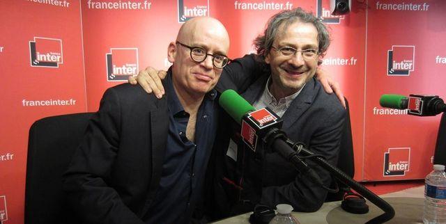 """Le sociologue Serge Guérin et le philosophe Pierre-Henri Tavoillot sur le plateau de """"Grand bien vous fasse"""" le 2 mars 2017"""