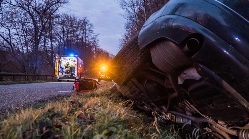 Un motard et un automobiliste ont perdu la vie dans deux accidents distincts.
