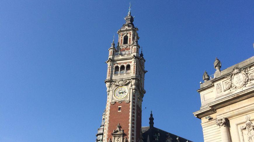 Le beffroi de la CCI de Lille, l'un des symboles des Hauts-de-France