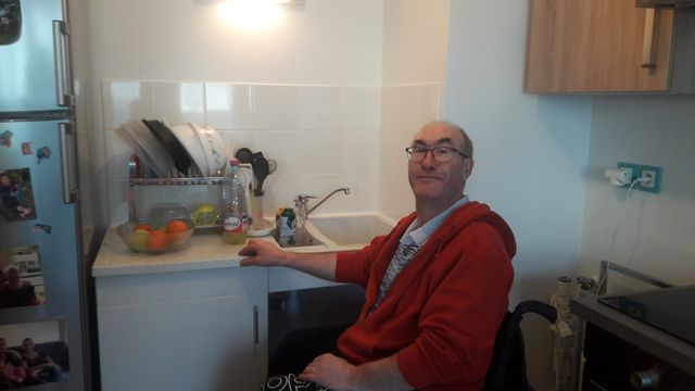 Bruno, Picard d'origine, est en fauteuil roulant depuis 1993 à la suite d'un accident de la route