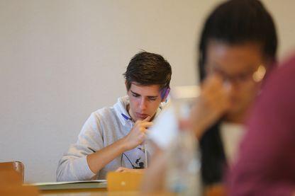 Programmes, classes bilangues, que pensent les candidats des rythmes scolaires par exemple ?