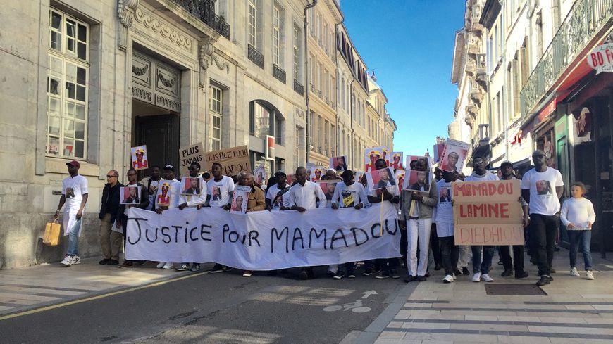 Marche Blanche pour Mamadou