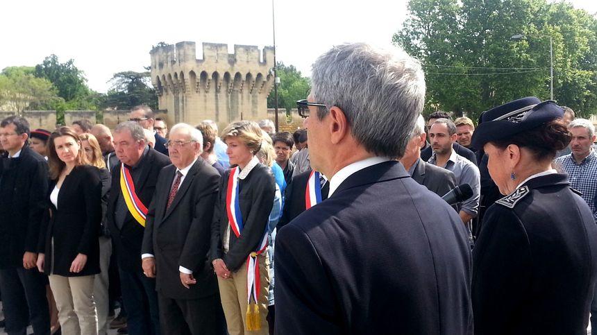 Elus et magistrats recueillis à Avignon face au préfet et la directrice de la sécurité publique de Vaucluse