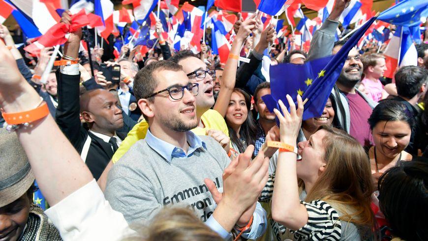 Les supporters d'Emmanuel Macron ont fêté sa qualification pour le second tour.