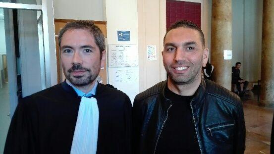 Aziz Sébhaoui, président de l'association des commerçants de la Place Cassanyes et son avocat Maître Olivier Amiel ce jeudi au tribunal de Perpignan