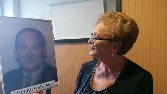 Rosalba, veuve depuis 2004. Son mari, Jean avait travaillé près de 40 ans comme électricien dans des usines sidérurgiques à Longwy et Dunkerque. Il est mort d'un cancer après avoir pris sa retraite