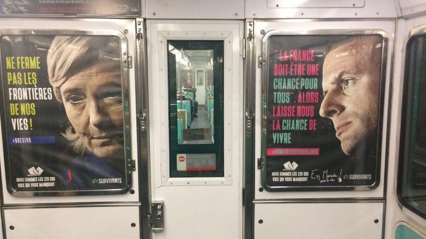 Affiches anti-avortement dans le métro à Paris.