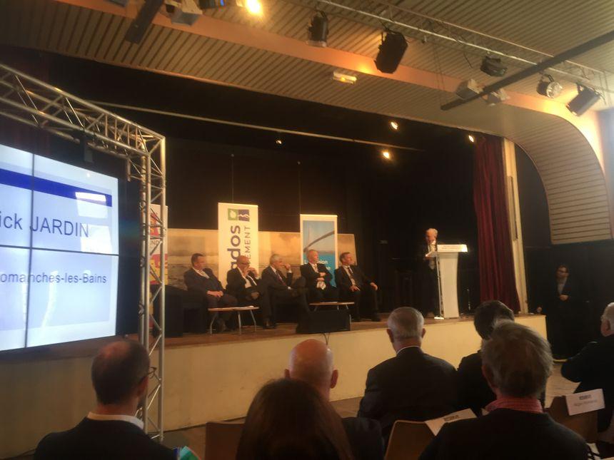 Lors de l'annonce des financements avec Hervé Morin, le président de la région Normandie
