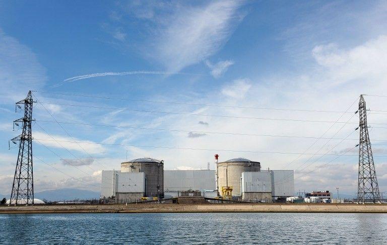 La centrale nucléaire de Fessenheim est implantée au bord du Grand Canal d'Alsace
