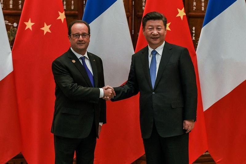 Les présidents français, François Hollande, et chinois, Xi Jinping, se rencontrent avant le Sommet du G20 à Hangzhou, en Chine, le 5 septembre 2016.