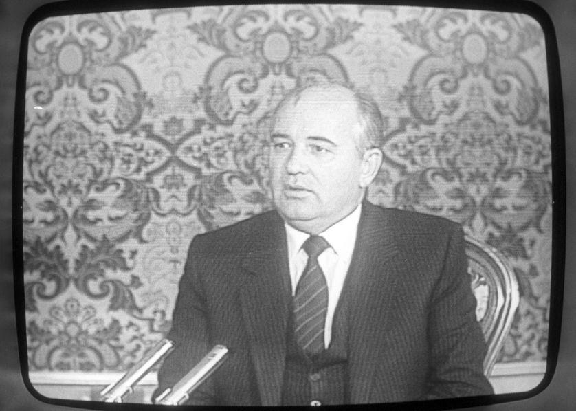 Mikhail Gorbachev donne une interview à la télévision française, octobre 1986