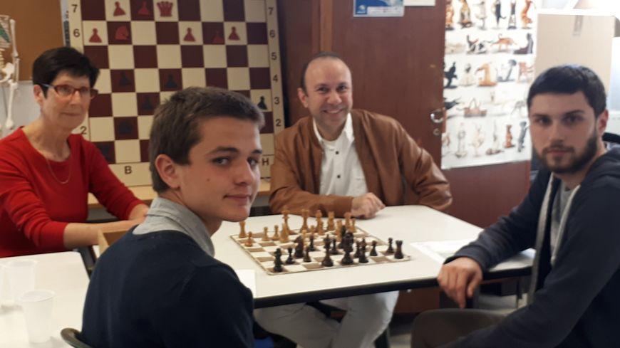 Benoît et David, les premiers lycéens a passer l'epreuve échecs au bac