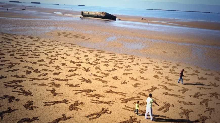 La plage et les pontons d'Arromanches