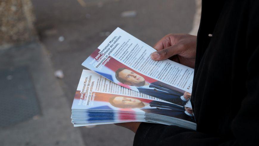 Des tracts du candidat d'En Marche! (photo d'illustration)