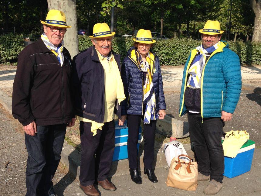 """La bande des chapeaux jaunes """"yellow army"""""""