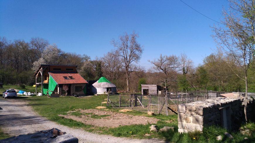 Le ferme du Montgaudon, sur la commune de Saint-Domet