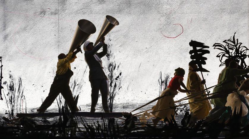 """William Kentridge, """"More Sweetly Play the Dance"""" : l'une des installations vidéos à voir à La Villette dans le cadre de """"Afriques capitales"""""""
