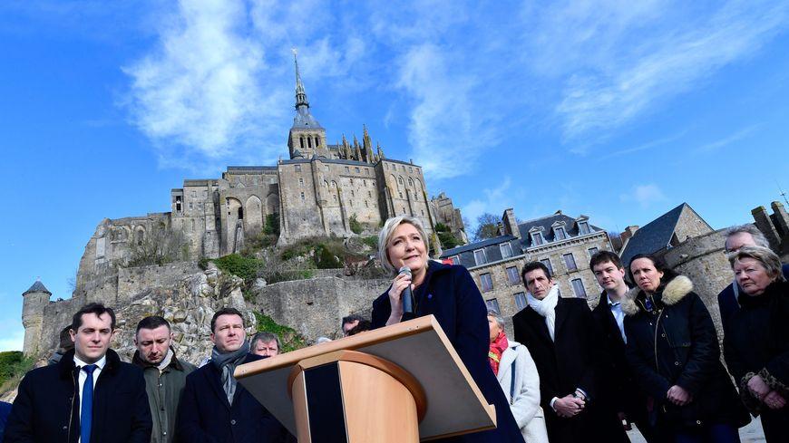 Marine Le Pen au Mont-Saint-Michel en février 2017