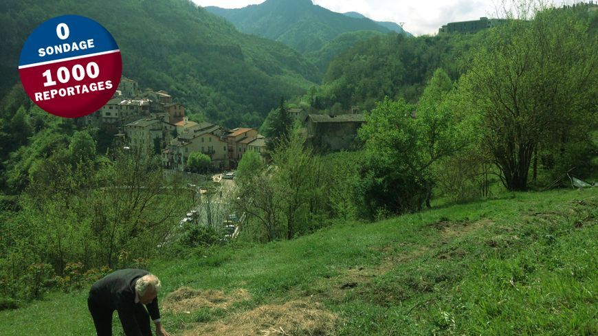 Alain Régis, un des fondateurs de l'association Les Potagers de la Vésubie, sur les hauteurs de Lantosque.