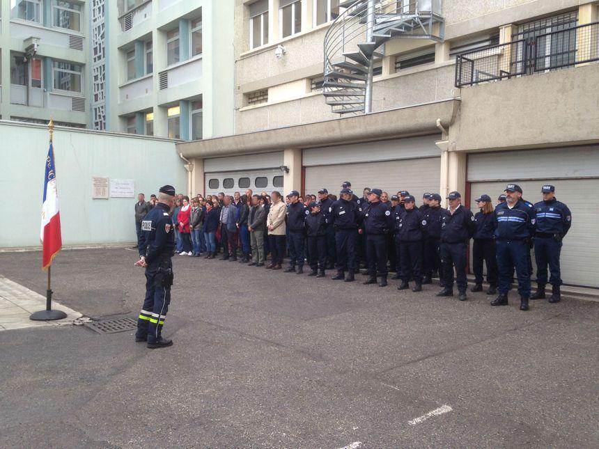 Les policiers se sont rassemblés également à Valence