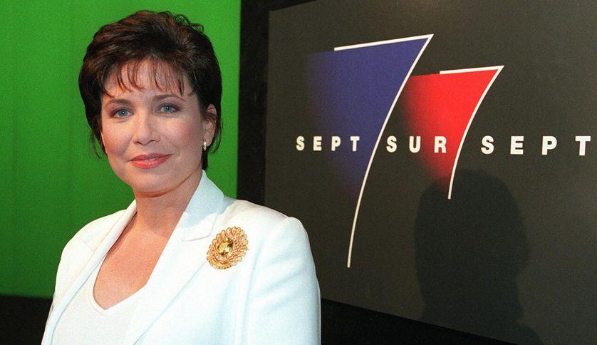 Anne Sinclair, présentatrice de 7/7, émission de TF1, le 06/07/1997.