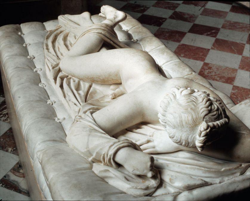 """""""Hermaphrodite endormi"""" du Bernin, au Musée du Louvre"""