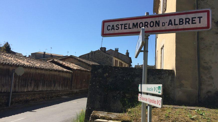 La commune est située à 60 kms de Bordeaux