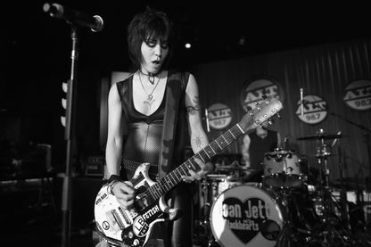 Joan Jett c'est la rencontre d'une femme avec le rock'n'roll
