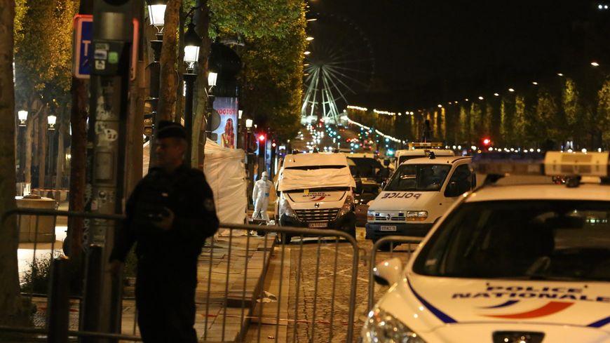 Un policier a été tué dans l'attaque, deux autres agents sont blessés