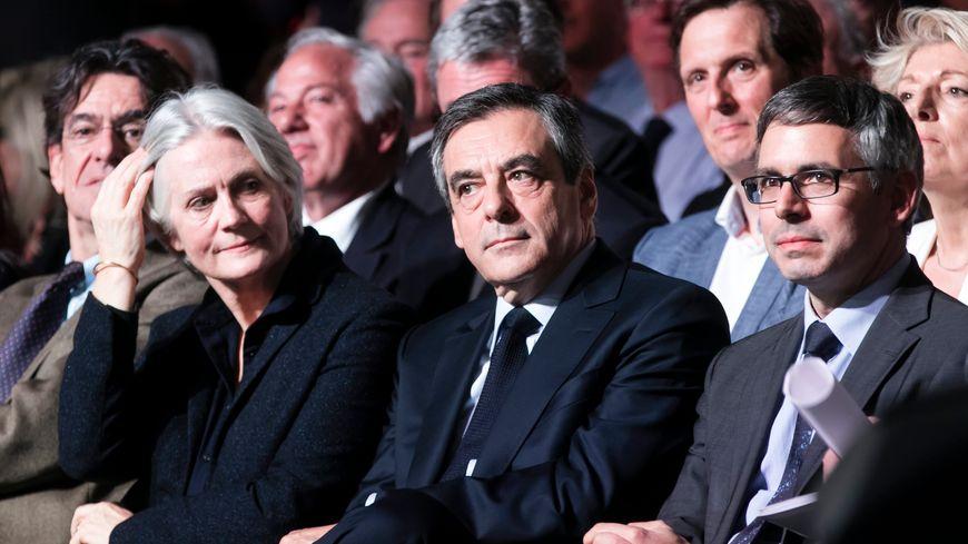 Le directeur de campagne de François Fillon, Vincent Chriqui (à d.) maire de Bourgoin Jallieu.