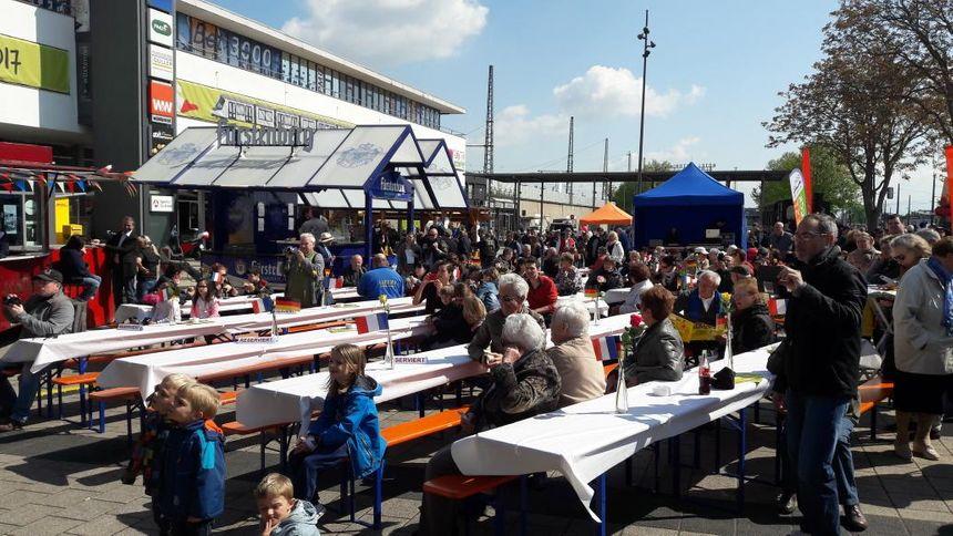 Le Tramfest sur le parvis de la gare de Kehl, le 29 avril 2017