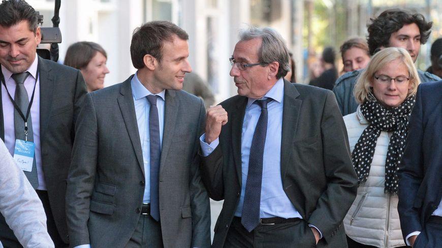 Emmanuel Macron aux côtés du maire de Strasbourg Roland Ries en octobre 2016.
