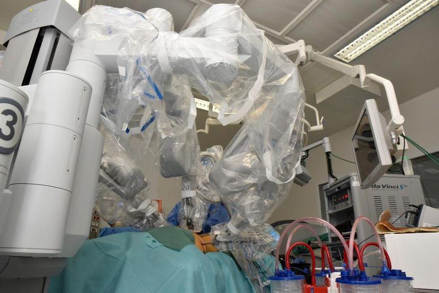 Le CHU Dijon-Bourgogne vient de s'équiper d'un système de chirurgie mini-invasive robot-assistée pour la prise en charge des cancers du poumon