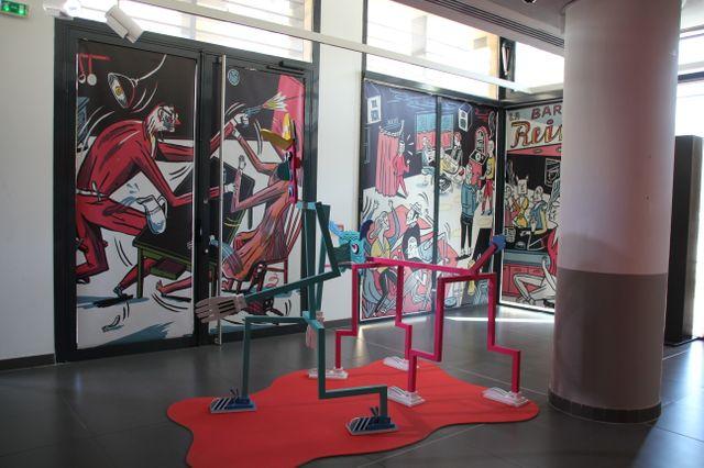 Dans l'exposition Jakob Hinrichs à l'office du tourisme d'Aix-en-Provence