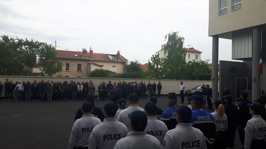 L'hommage du commissariat de Clermont à Xavier Jugelé