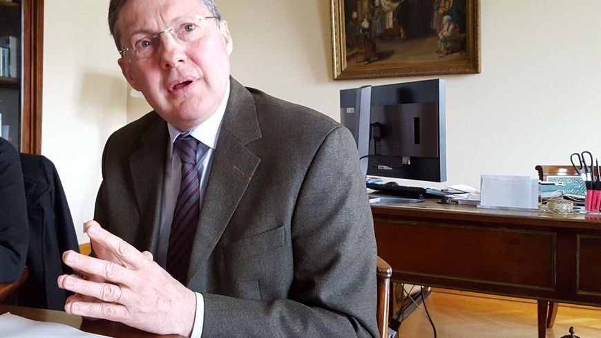 Philippe Bas, sénateur LR de la Manche appelle à voter Macron... et lance la bataille des législatives contre En Marche