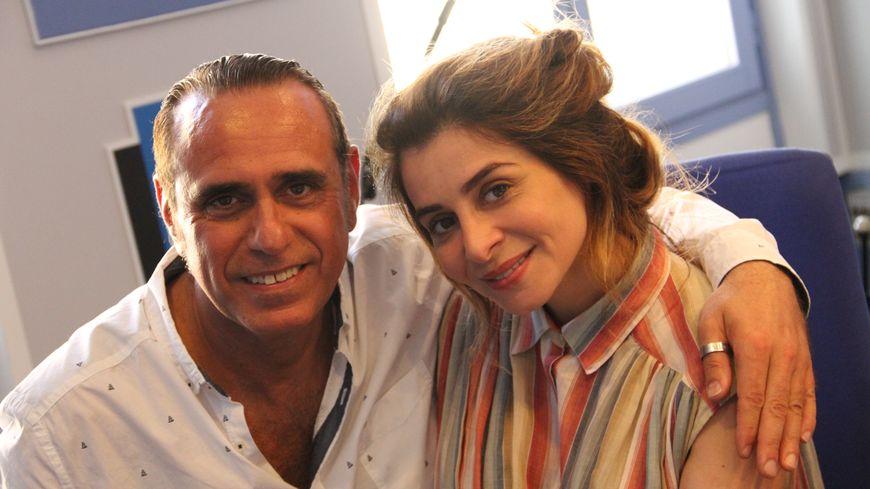 Julie Zenatti invitée d'Adrien Mangano dans l'émission on passe le weekend avec une star