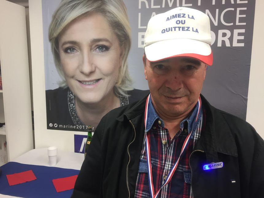 Pierre vote FN depuis qu'il est en âge de voter.