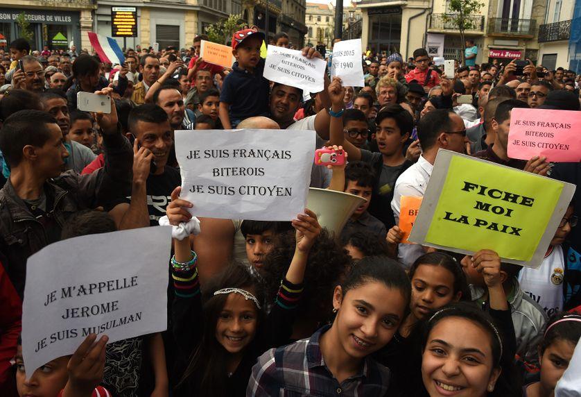 Manifestation à Béziers, où le maire, Robert Ménard, avait tenté de dénombrer les enfants musulmans présents dans les écoles de sa ville. Photo prise le 8 mai 2015.