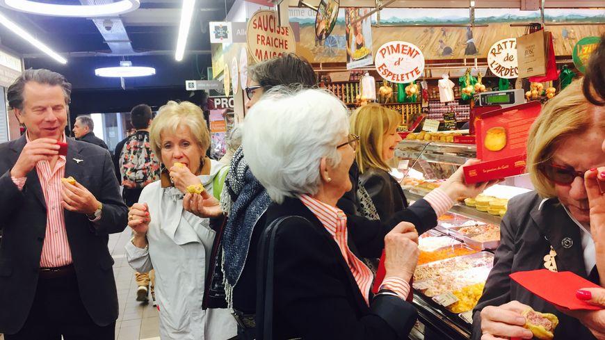 Visite obligatoire dans les halles de Nîmes et dégustation de produits régionaux